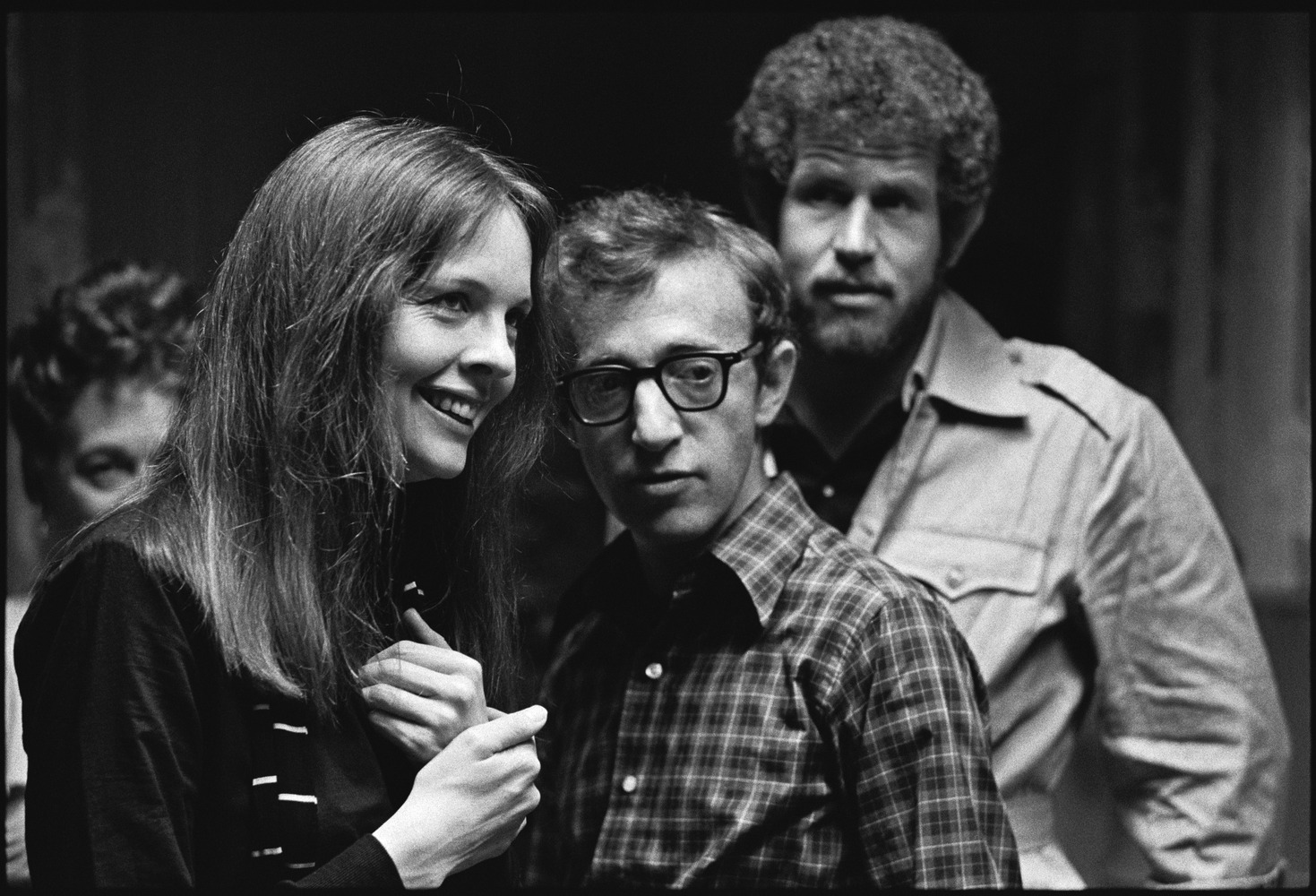 woody allens annie hall Annie hall is a 1977 american romantic comedy film directed by woody allen from a screenplay he co-wrote with marshall brickman the director co-stars as alvy.